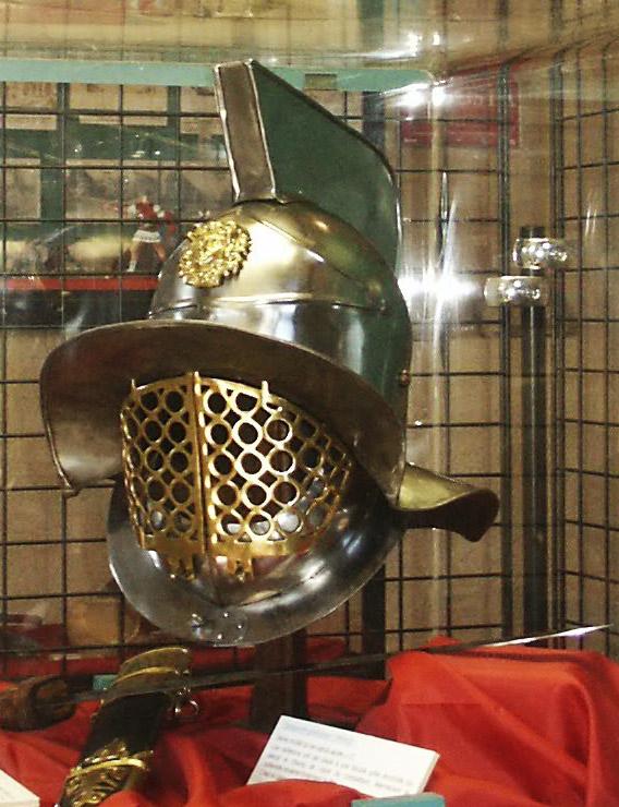 Casque de gladiateur thrace et gladius