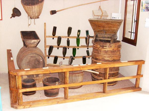 Matériel de vigneron du XIXe siècle