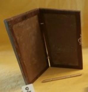 Tablette-de-cire-double-en-noyer-Codice-avec-stylet-bronze